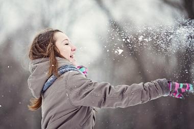Mit unseren Tipps gegen schlechte Laune im Winter kannst auch du die 4. Jahreszeit genießen.
